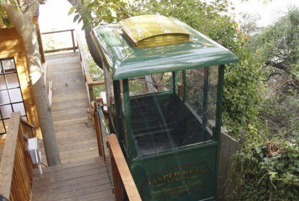 San Fransisco area personal funicular with fully custom cart designed to look like a cable train car
